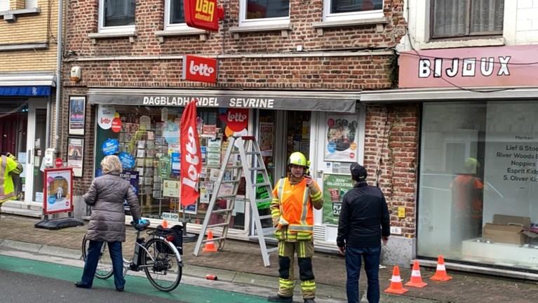 Instortingsgevaar in krantenwinkel in Bruggestraat