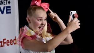 16-jarige YouTube-ster toont haar nieuwe miljoenenvilla, inclusief eigen winkel