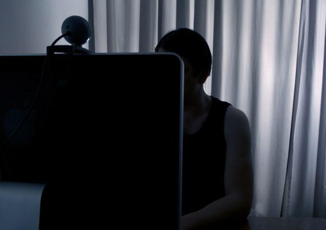 15 maanden voorwaardelijke celstraf voor man (56) die foto's vraagt aan minderjarige tieners