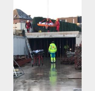 Speciaal reddingsteam moet gewonde arbeider evacueren
