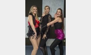 """Drie vrouwen richten school op voor heel sensuele dansvorm: """"Mannen hebben graag dat hun vrouw dit doet: ze zien haar dan openbloeien"""""""