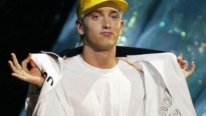 RECENSIE. Eminem verrast met onaangekondigde plaat: pamflet tegen wapengeweld, maar daarom niet geweldig