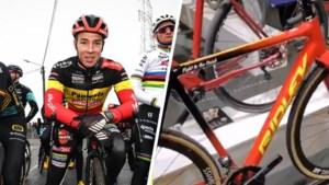 Nieuw speeltje voor Laurens Sweeck: Belgisch kampioen krijgt tricolore fiets