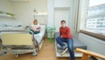 """Gloednieuwe materniteit mét bed voor papa's: """"Ze blijven steeds meer in het ziekenhuis slapen """""""