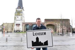 """Burgemeester Tony Vermeire (CD&V) kijkt vol vertrouwen naar toekomst: """"Lievegem wordt samen met Aalter en Deinze de gouden driehoek in Vlaanderen"""""""