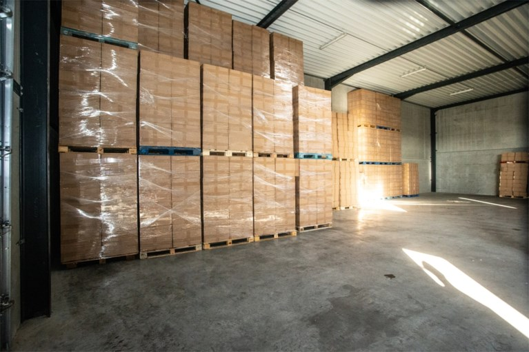 Recordaantal namaaksigaretten in beslag genomen: douane vond meer dan 126 miljoen namaaksigaretten