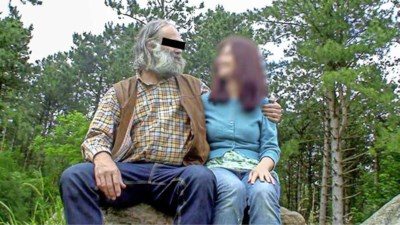 """Het bizarre """"liefdesverhaal"""" van ex-minnares die overleden vrouw van 'spookvader' moest vervangen"""
