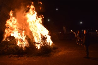 Deze gemeenten lopen niet meer warm voor kerstboomverbrandingen