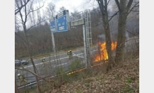 Veel rook en lange file op E19 door brandend voertuig aan Craeybeckxtunnel