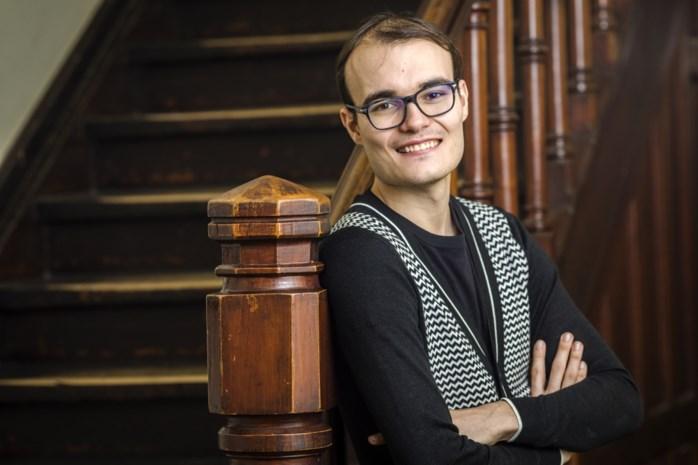 """Stefan (26) wil de Vlaming bewuster met geld leren omgaan: """"Ik kom rond met 1.000 euro per maand"""""""