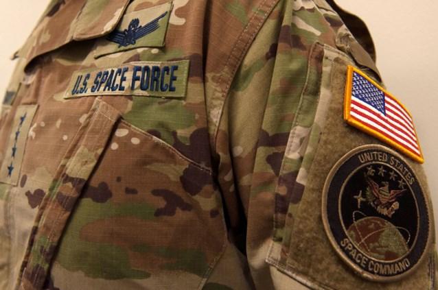 """Hilariteit rond camouflage-uniformen van Amerikaanse Space Force: """"Zijn er bomen in de ruimte?"""""""