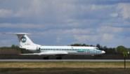 Russische vakantiegangers vluchten uit vliegtuig nadat motor in brand schiet