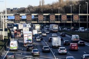 """""""Het aantal auto's moet omlaag, of Oosterweel wordt een maat voor niets"""""""