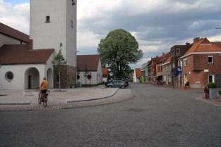 Borrel-Nootjes in de kerk van Landegem