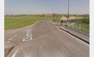 Bromfietser (18) in levensgevaar nadat hij twee keer wordt  aangereden