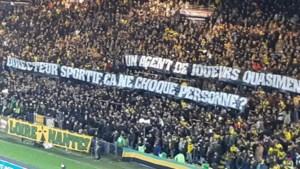 Ook in Nantes hebben ze het gehad met Mogi Bayat: fans maken onvrede duidelijk met groot spandoek