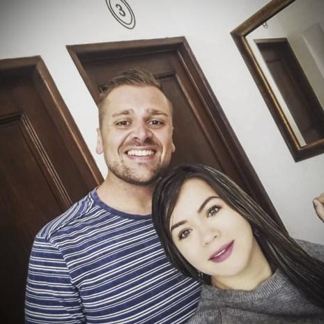 """Tom (30) vond de liefde in Colombia, maar raakte er ook verslaafd aan cocaïne: """"Ik zat met agressieve, bebloede dealer op achterbank van taxi"""""""