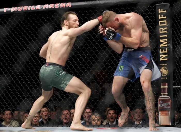 Van een comeback gesproken: Conor McGregor heeft amper 40 seconden nodig om tegenstander te verslaan