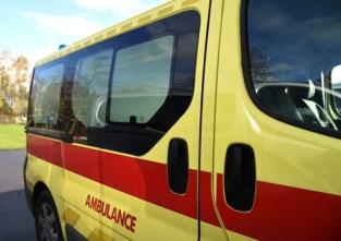 Twee zwaargewonden bij ongeval  nadat auto over de kop ging in Ukkel
