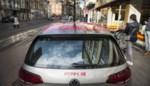 """15-jarigen crashen tijdens joyride met deelauto na achtervolging door politie: """"Agenten moesten wegspringen"""""""