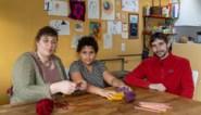 """Marie (43) richt 'school zonder straffen' op: """"Kinderen hebben geen leraar nodig om te leren"""""""