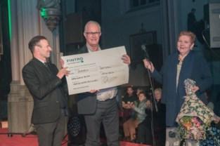 Cheque van 6.000 euro voor Leuvens Kankerinstituut