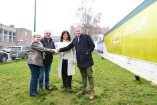 Campus Lievegem bouwt nieuwe klaslokalen maar door sterke groei leerlingenaantal is zelfs dat onvoldoende, nu is oplossing gevonden