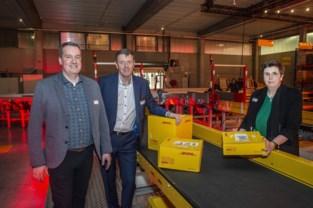 DHL Express opent nieuw distributiecentrum van bijna twee voetbalvelden groot: bijna elke seconde wordt hier een pakje behandeld