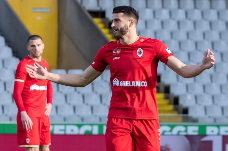 """Antwerp-coach Laszlo Bölöni deelt sneertje uit: """"We hebben niet de invloed die andere clubs wél hebben"""""""