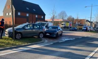 Postauto betrokken bij ongeval op Luikersteenweg