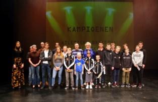 Gemeente Beveren zet kampioenen 2019  in de bloemetjes tijdens Sportgala