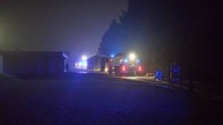 VIDEO. Brandweer rukt massaal uit voor stalbrand