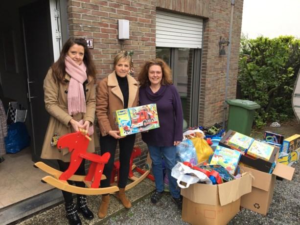 Kinderen van GILO Oosterzele zamelden speelgoed in voor Hulpgroep With Love uit Melle