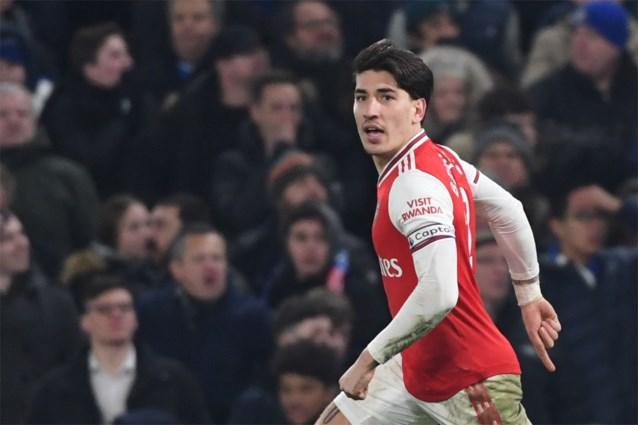 Londense derby eindigt spectaculair: twee schoten, twee goals voor tien man van Arsenal tegen Chelsea