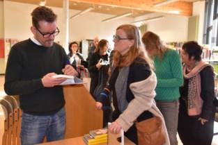 Bart Moeyaert doet bibliotheek vollopen