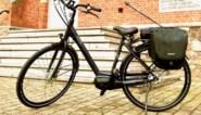 Roos (13) op de fiets aangereden en achtergelaten: