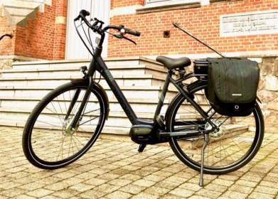 """Roos (13) op de fiets aangereden en achtergelaten: """"Ze wil eigenlijk liever niet meer op de fiets kruipen"""""""