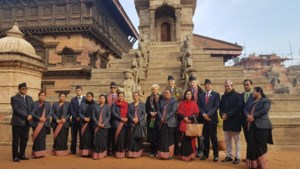 Prinses Astrid moet toeristen naar Nepal brengen