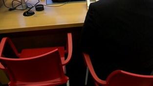 VIDEO. Leuven reikt eerste elektronische identiteitskaart met vingerafdruk uit