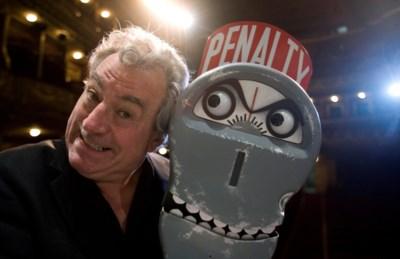 """'Monty Python'-lid Terry Jones (77) overleden na strijd tegen dementie: hoe zijn """"very naughty boy"""" nog lang zal blijven nazinderen"""