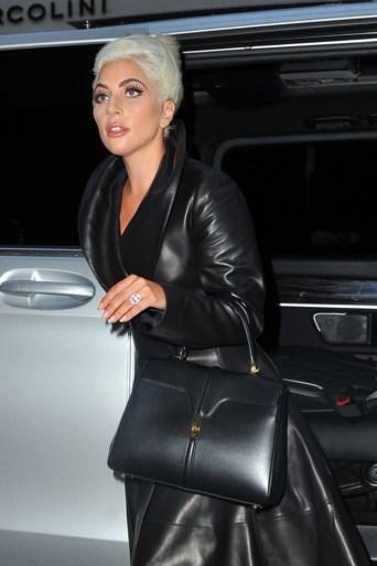 Comeback Lady Gaga verpest door online lek (al hoeft ze daar absoluut niet droevig van worden)