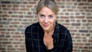 """Actrice Leen Dendievel en andere BV's krijgen valse factuur van Proximus in de bus: """"Het is te gemakkelijk om online in iemands naam iets te bestellen"""""""