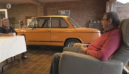 Samen tv kijken? Dit West-Vlaamse koppel kijkt liever naar hun oldtimer… in de living