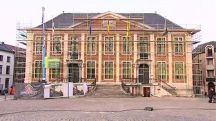 VIDEO. Stadhuis van Diest staat vanaf deze week twee maanden in de stellingen