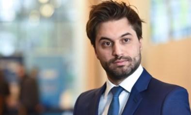 Bouchez slaat andere partijen met verstomming: informateur pleit in midden van opdracht voor Belgische eenheidsstaat