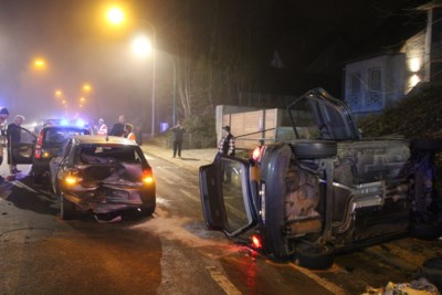 Drie personen naar ziekenhuis na zware klap op Zoniënwoudlaan