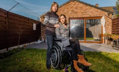 """Ouders riskeren zware boete nadat ze huis ombouwden voor gehandicapte dochter: """"We worden gestraft omdat we haar als enige willen helpen"""""""