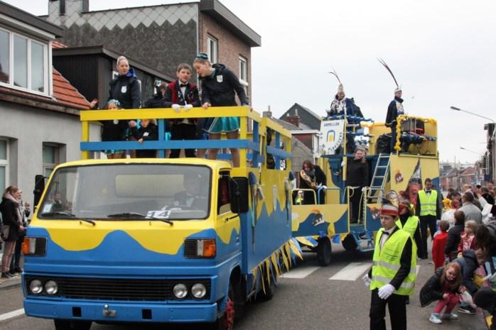 """Carnavalsstoet trekt opnieuw door Kapellen: """"Volledige traditie in ere herstellen"""""""