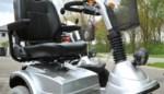 Vijftiger sukkelt met scootmobiel in beek