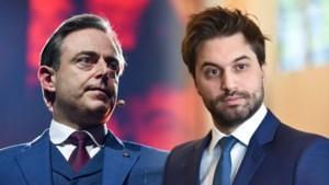 """Bart De Wever (N-VA) maakt brandhout van unitaristische uitspraken van informateur Bouchez: """"Dat werkte zolang de Vlamingen tweederangsburgers waren"""""""